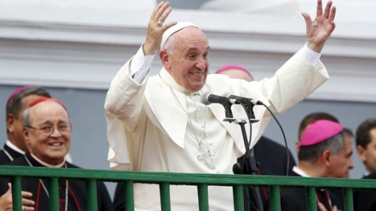 papa-francisco-se-despide-de-familias