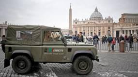 Refuerzan-Vaticano-Agentes-Pedro-EFE_CLAIMA20151118_0130_39