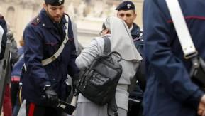 Refuerzan-Vaticano-Agentes-Pedro-EFE_CLAIMA20151118_0132_28