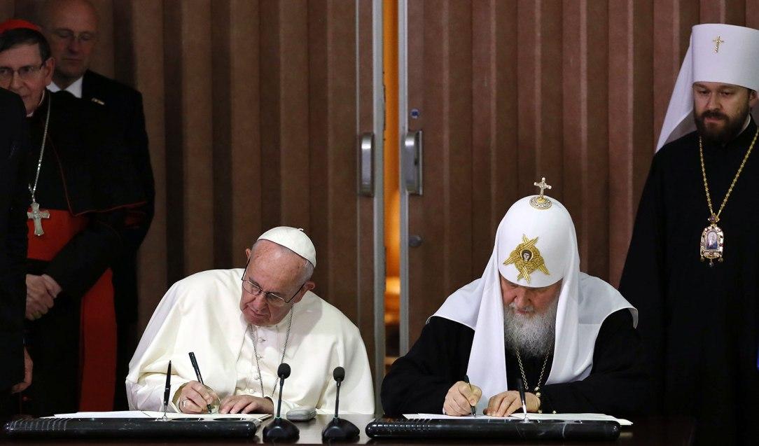 643595_papa-francisco-patriarca-kiril-firman-acuerdo